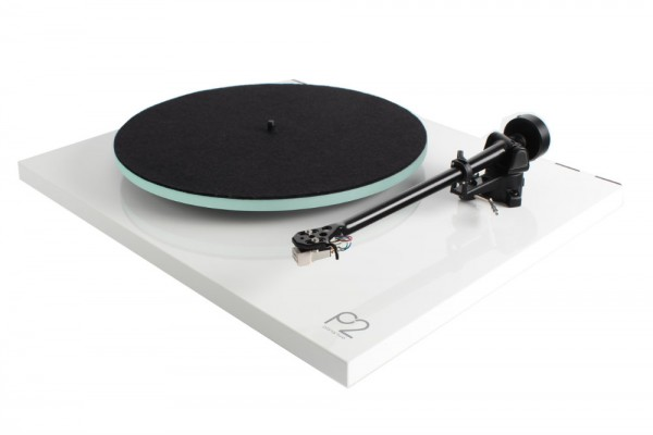 REGA PLANAR2/CARBON-Turntable